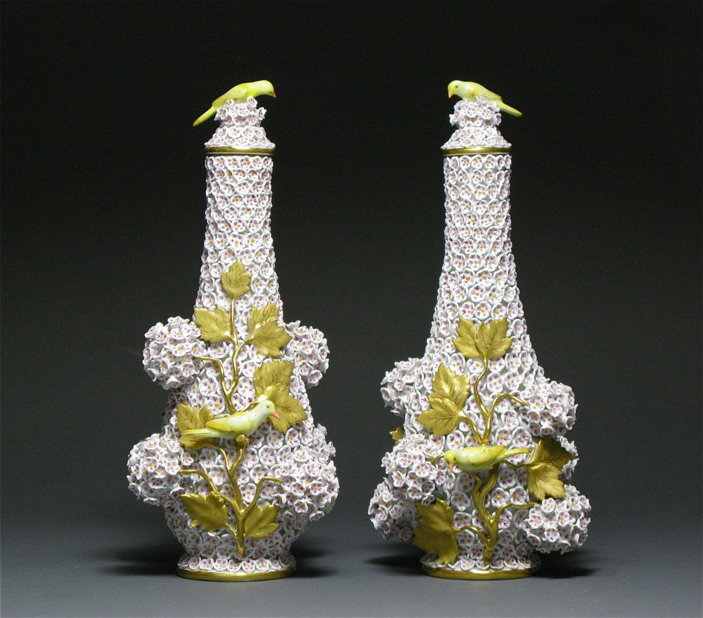A PAIR OF MEISSEN SNOWBALL VASES Porcelain Meissen Circa 1880