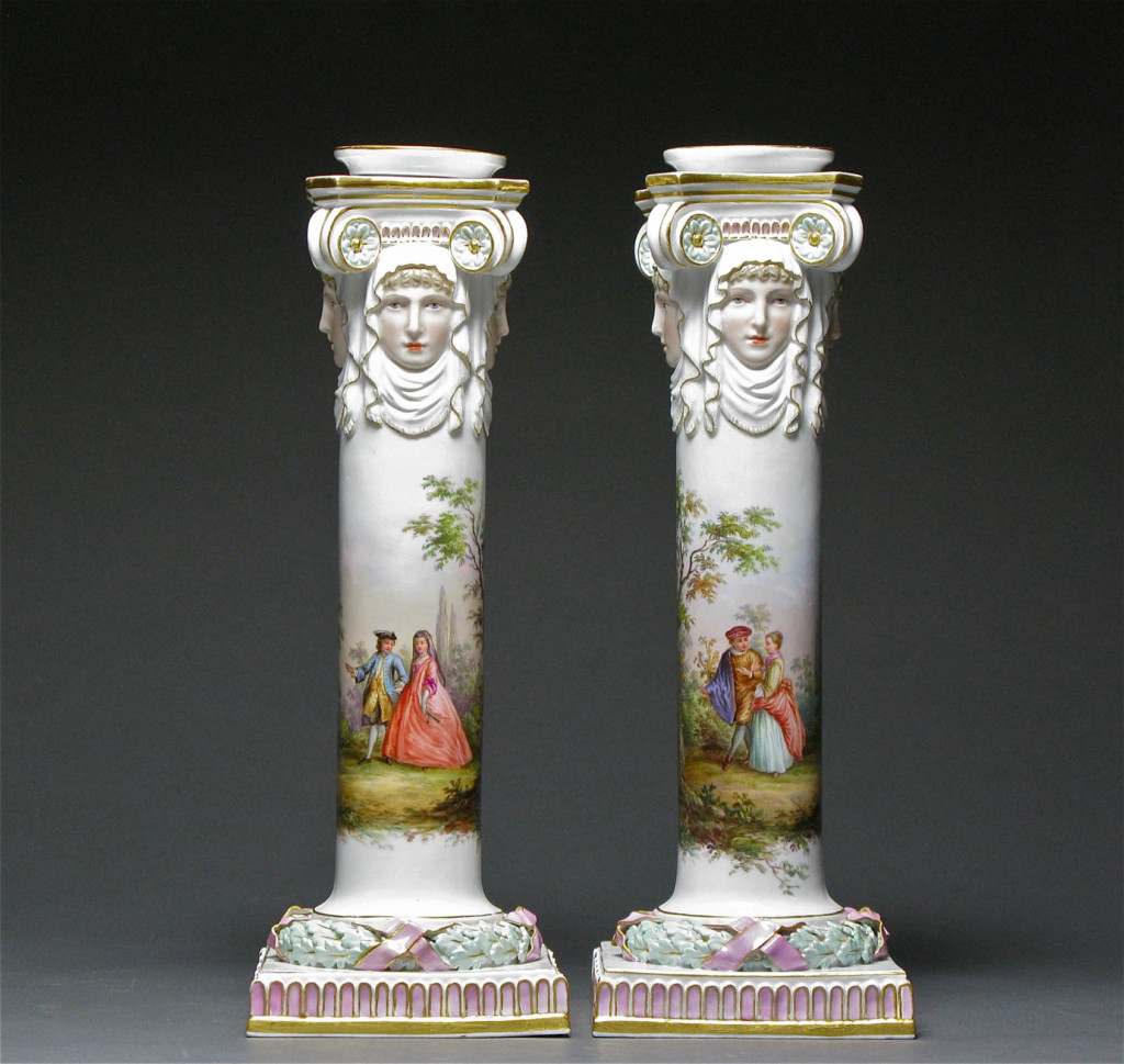 A PAIR OF CANDLESTICKS Meissen Late 19th century