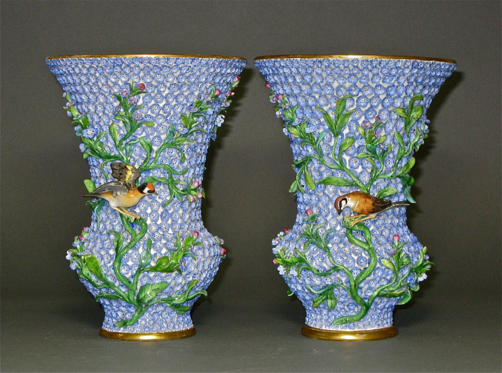 A PAIR OF SNOWBALL VASES (BLUE) Meissen Late 19th Century