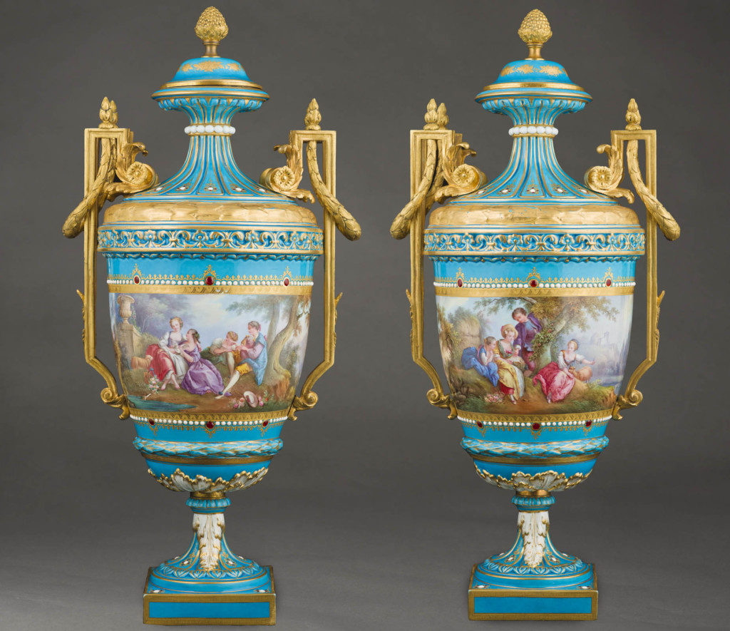 A PAIR OF SEVRES LIDDED VASES Sèvres Second half of 19th Century