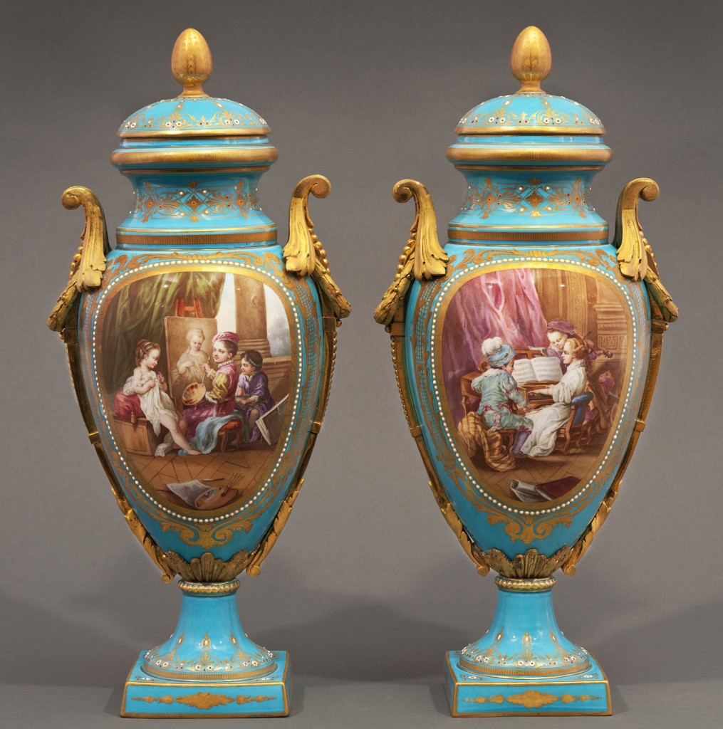 A PAIR OF SEVRES LIDDED VASES - CHILDREN IN ART AND MUSIC LESSONS Sèvres Second half of 19th Century