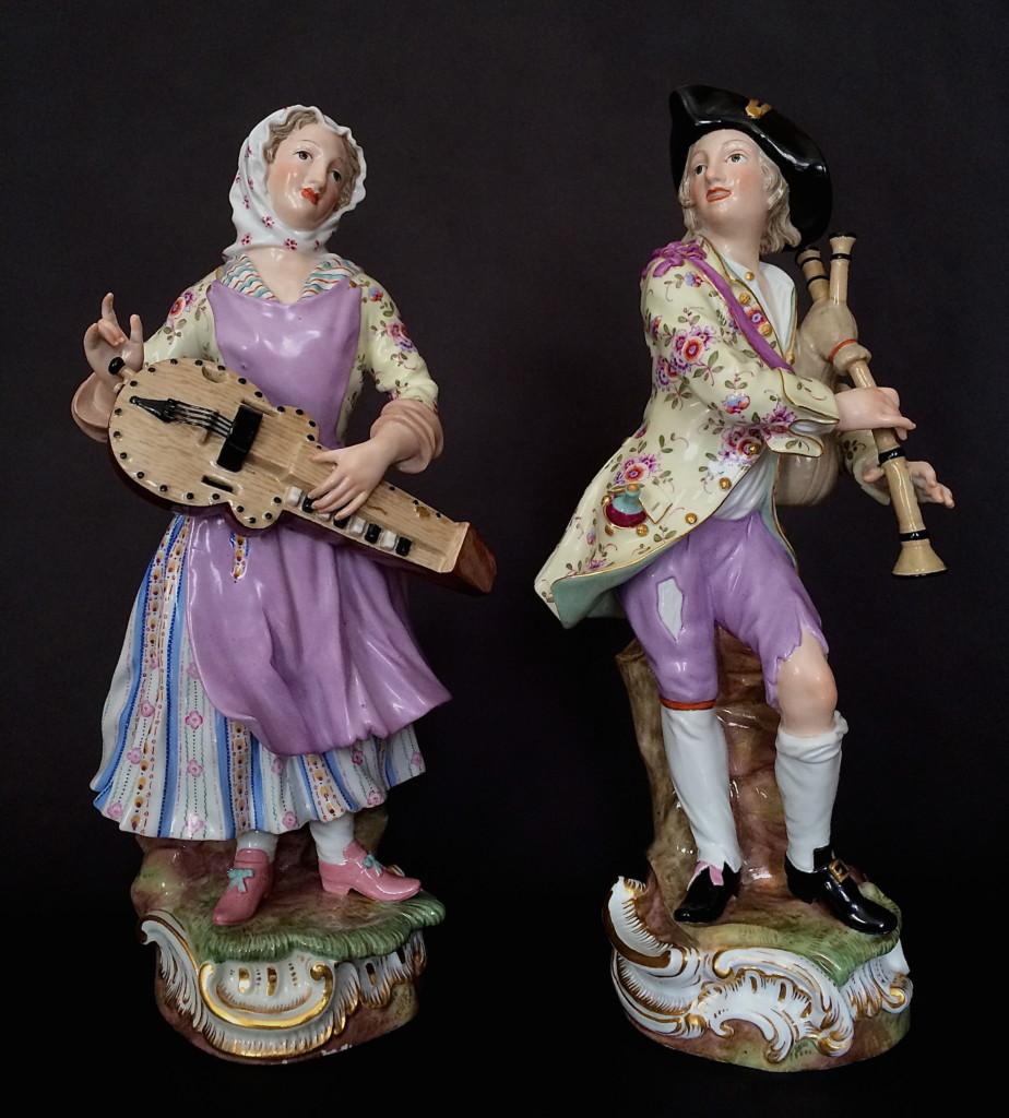 Pair Of Figures Of Dutch Peasants Musicians Meissen Circa 1850-1860