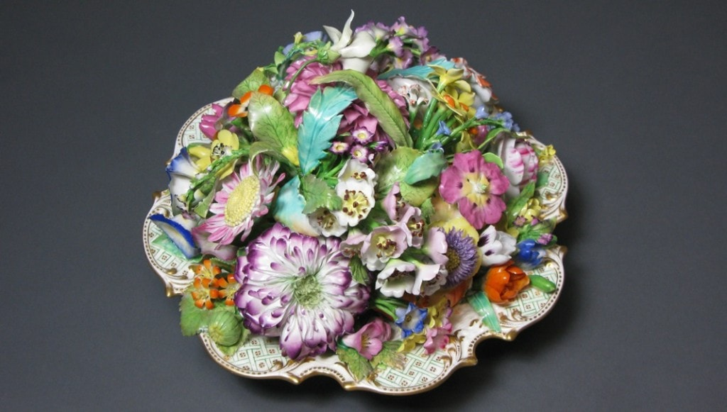 Trompe l'Oeil Scroll-Footed Dishes Filled with Flowers Minton Circa 1825-1835